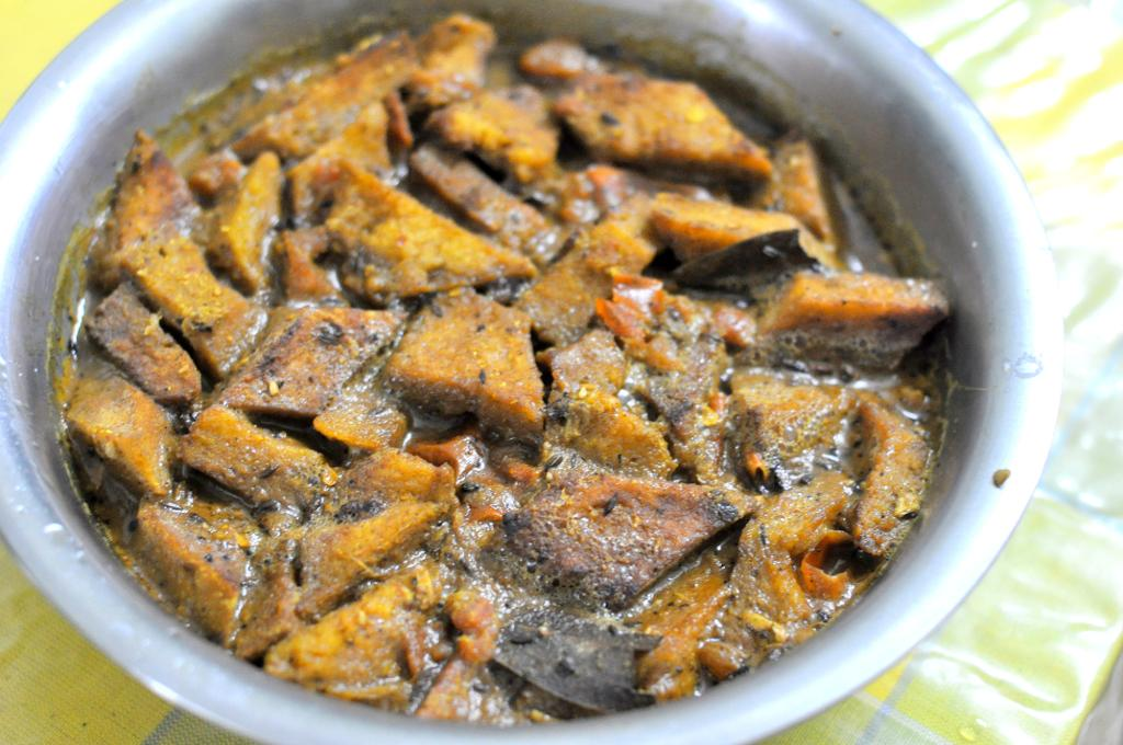 Dhokar dalna for Authentic bengali cuisine