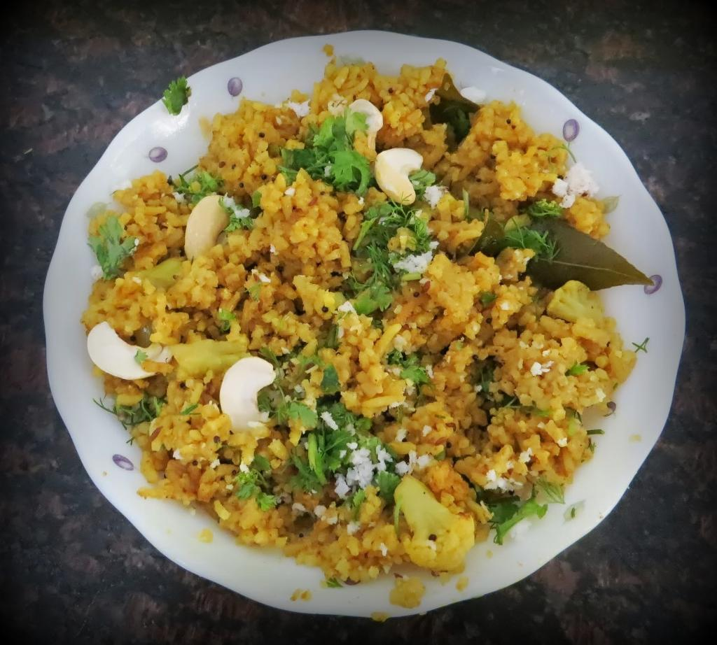 Masala rice a traditional marathi rice infused with spices and served with raita forumfinder Choice Image